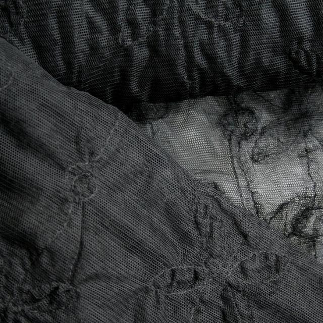 ausgefallene stoffe modestoffe spitzen 0032 nylon t ll mit aufgestickten bl ten in schwarz. Black Bedroom Furniture Sets. Home Design Ideas