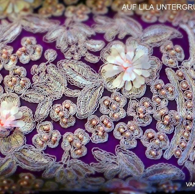 Couture 3D + Perlen Blumen Spitze auf Rosa Tüll Ton in Ton