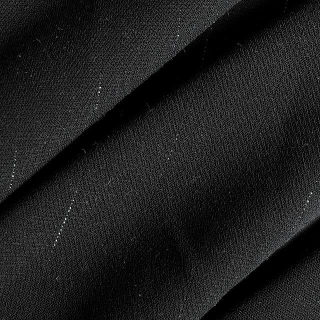 Schwarze Glanzfaser Micronadelstreifen