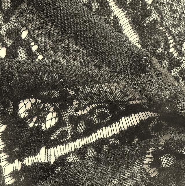 ausgefallene stoffe modestoffe spitzen cupro spitze farbe schwarz. Black Bedroom Furniture Sets. Home Design Ideas