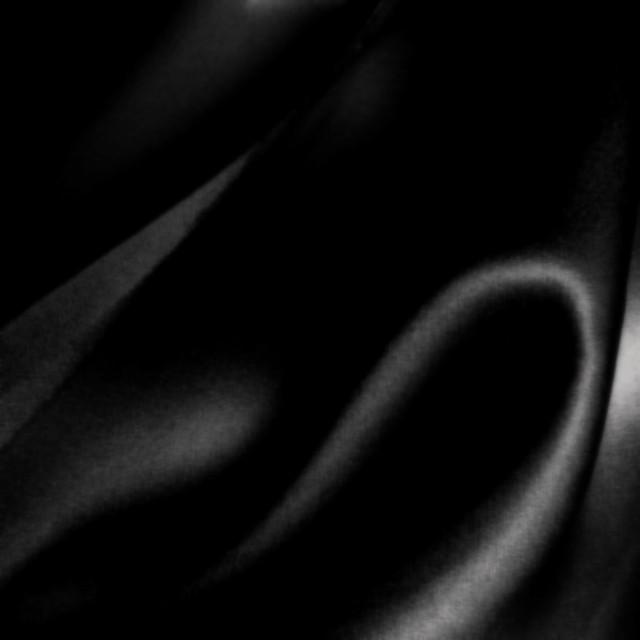 Hochwertiger Seidensatin in Schwarz