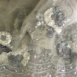 Stoff Silberfarbige Blumen Spitze auf Tüll