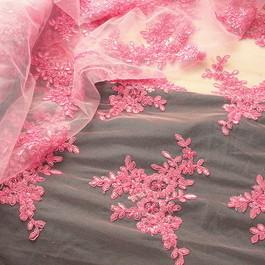 Stoff Stoff Spitze Blumenboucquets Perlen bestickt in Rosa